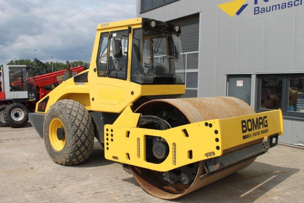 Каток BOMAG BW211 D-4